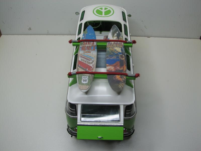 VOLKSWAGEN SAMBA BUS 1962 de Revell kit # 07399 Volksw43