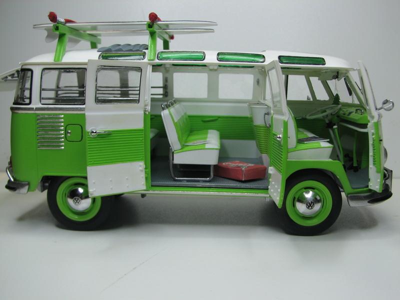 VOLKSWAGEN SAMBA BUS 1962 de Revell kit # 07399 Volksw45