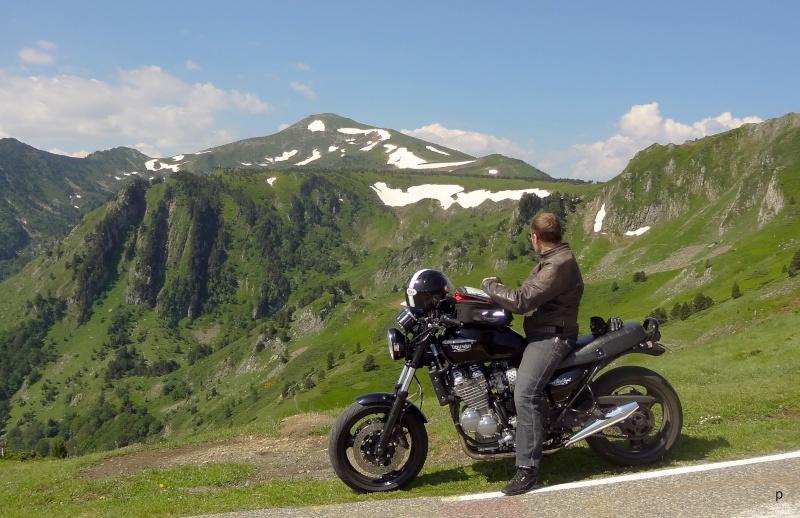 Edenbike n' Co ..... Triumph / Laverda - Page 5 Dsc02110