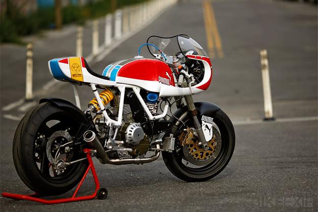 Cadre blanc Ducati12