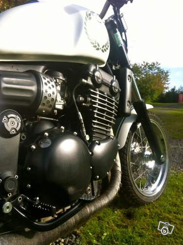 Edenbike n' Co ..... Triumph / Laverda - Page 4 Legend10