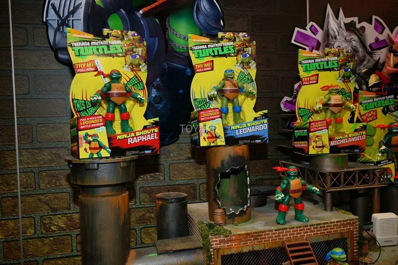 TMNT Playmates toy fair 2017 Toy-fa15