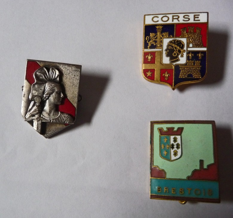 [ Logos - Tapes - Insignes ] PORTE-CLÉS - Page 5 P1010611