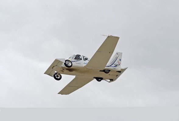السيارة الطائرة صور لأول سيارة تطير فى الهواء    110