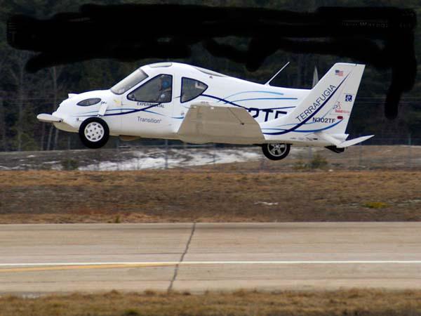 السيارة الطائرة صور لأول سيارة تطير فى الهواء    1311