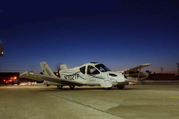 السيارة الطائرة صور لأول سيارة تطير فى الهواء    1410