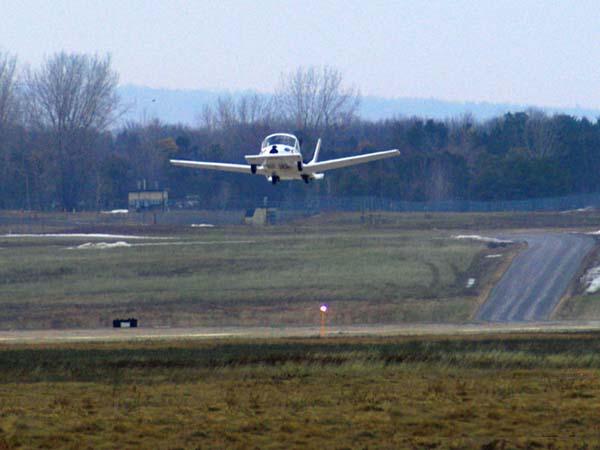 السيارة الطائرة صور لأول سيارة تطير فى الهواء    710