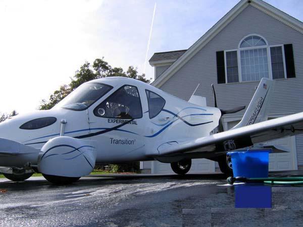 السيارة الطائرة صور لأول سيارة تطير فى الهواء    810