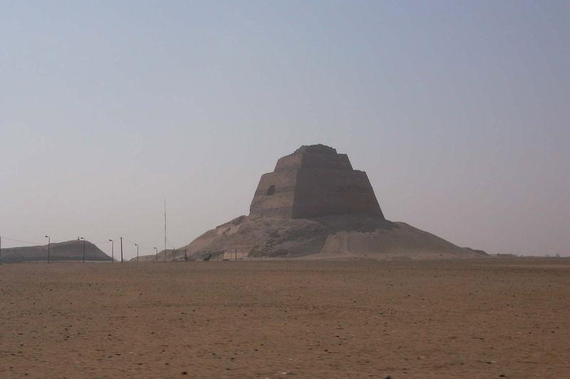 Signification des Pyramides (hypothèse) 800px-10