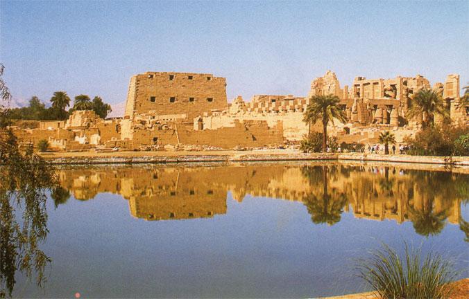 Les prêtres en Egypte ancienne Karnak10