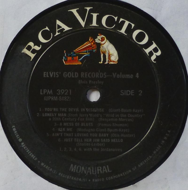 ELVIS' GOLD RECORDS VOL 4 P1000432