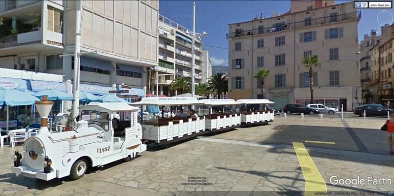 STREET VIEW : les petits trains touristiques Petit_10