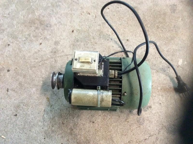 Vends moteur 220 v ( vendu) Img_2210