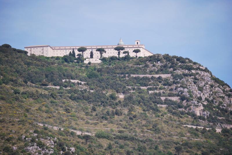 Cassino, son mont, son abbaye ... Dsc_0911