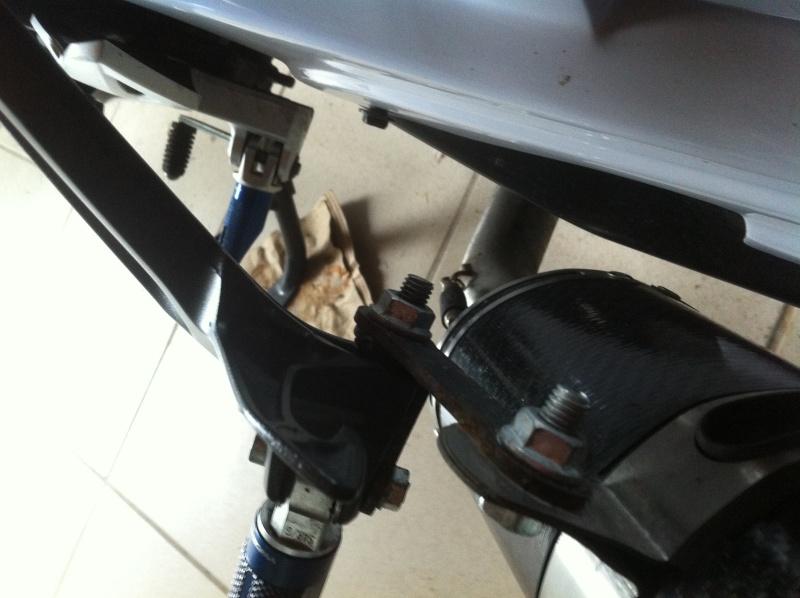 Fresco GSR 750 Full carbone style SV1000 Img_0927