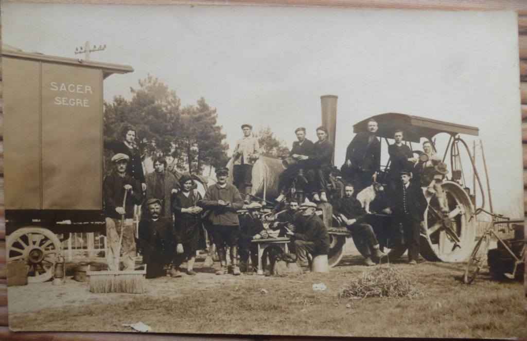 Ancien tracteur Sacer Sergé et ouvriers agricoles à la chartre sur loir P1230110