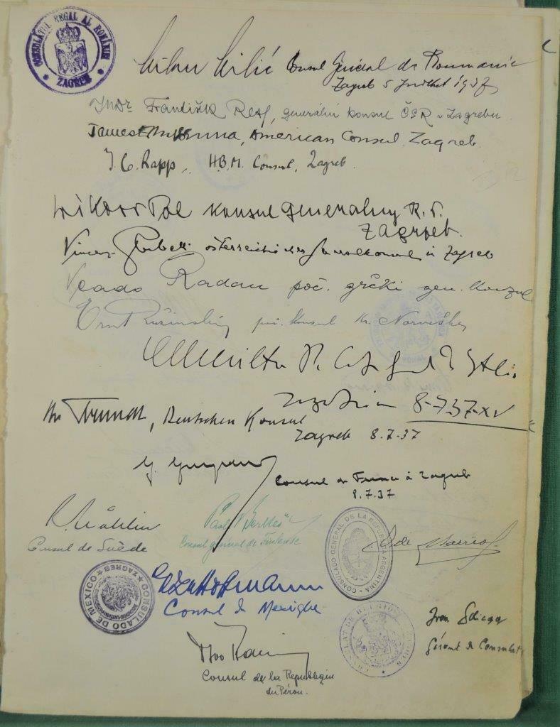 Dédicace de nombreux consuls et autres ambassadeurs S-l16021