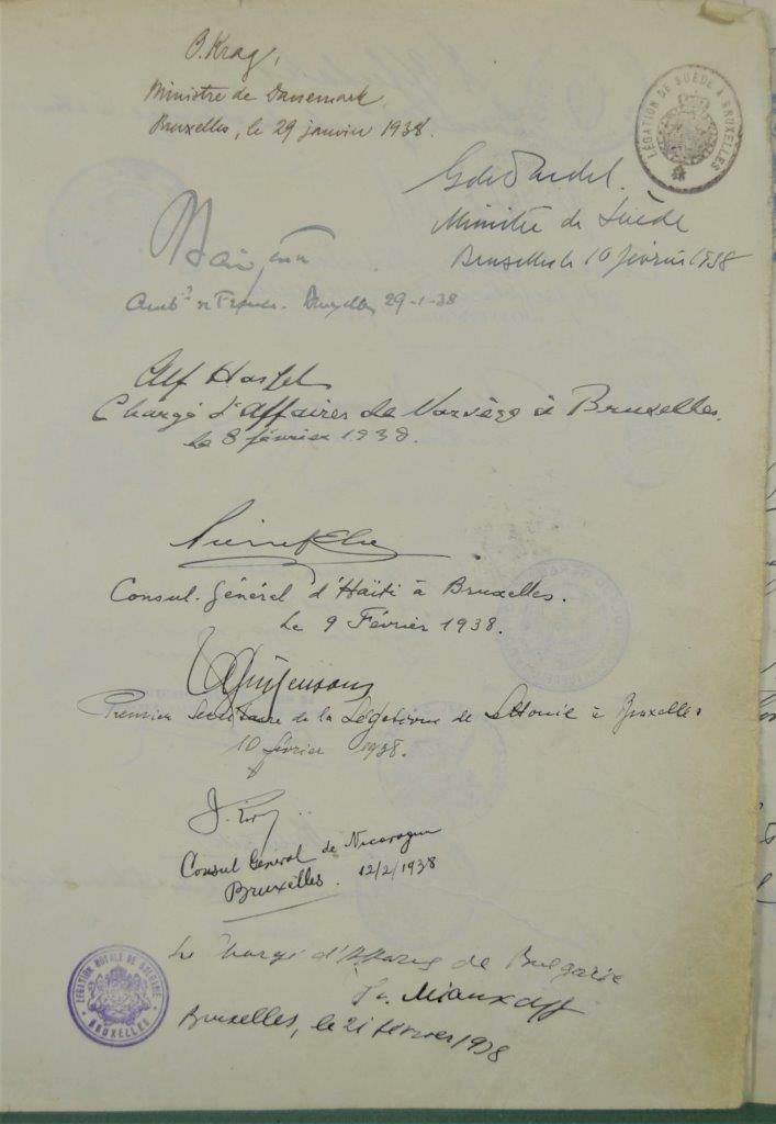 Dédicace de nombreux consuls et autres ambassadeurs S-l16026