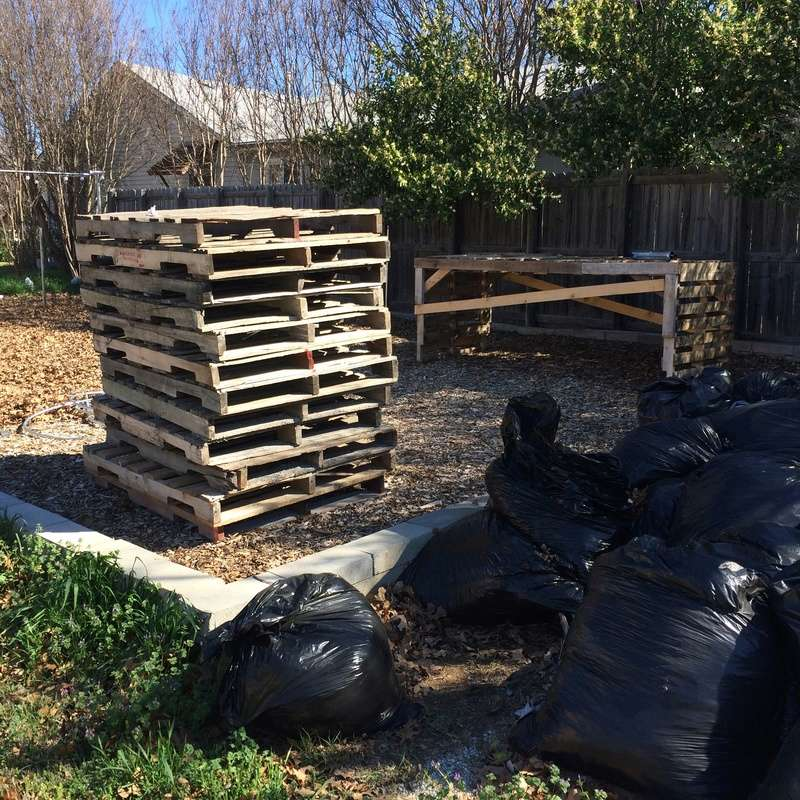WANTED: Pictures of Compost Bins - Page 3 Pallet11