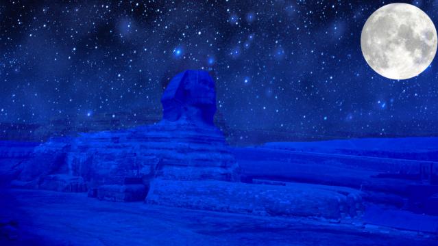 Du portail du Lion à la pleine Lune du 15 août 1907