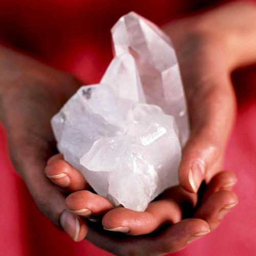 Méthodes de purification et de rechargement des cristaux et des pierres 430