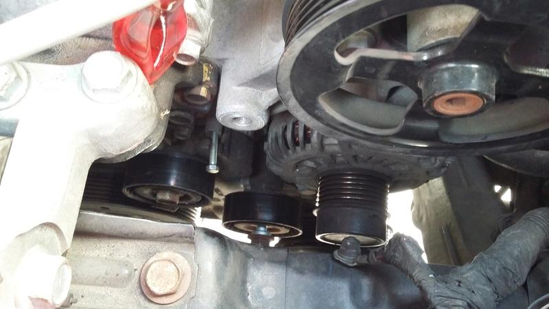 TUTO : remplacement courroie et galets Dodge Caliber essence 20170315