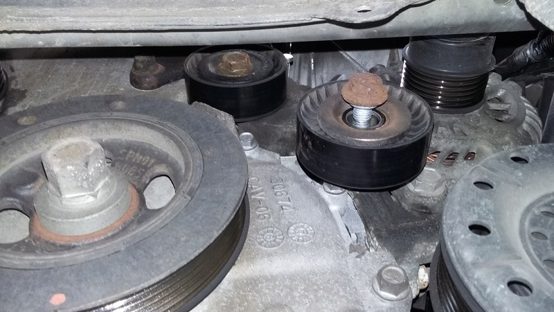 TUTO : remplacement courroie et galets Dodge Caliber essence 20170317