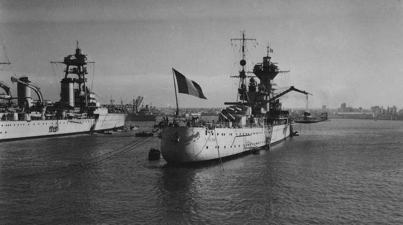 [1/400] Croiseur Algérie - Page 20 06a_cr10