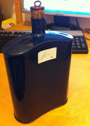 Distinguishing Cobalt Blue Mk VI and Mk VII Water-Bottles 00410