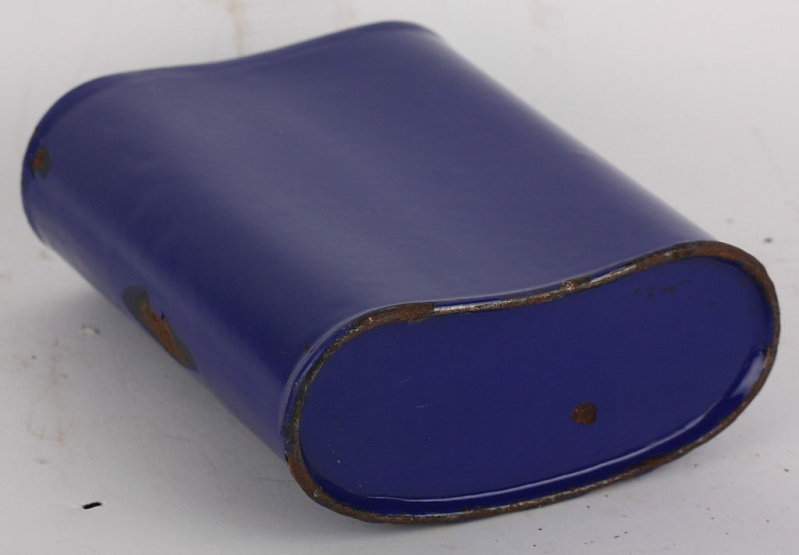 Distinguishing Cobalt Blue Mk VI and Mk VII Water-Bottles 02810