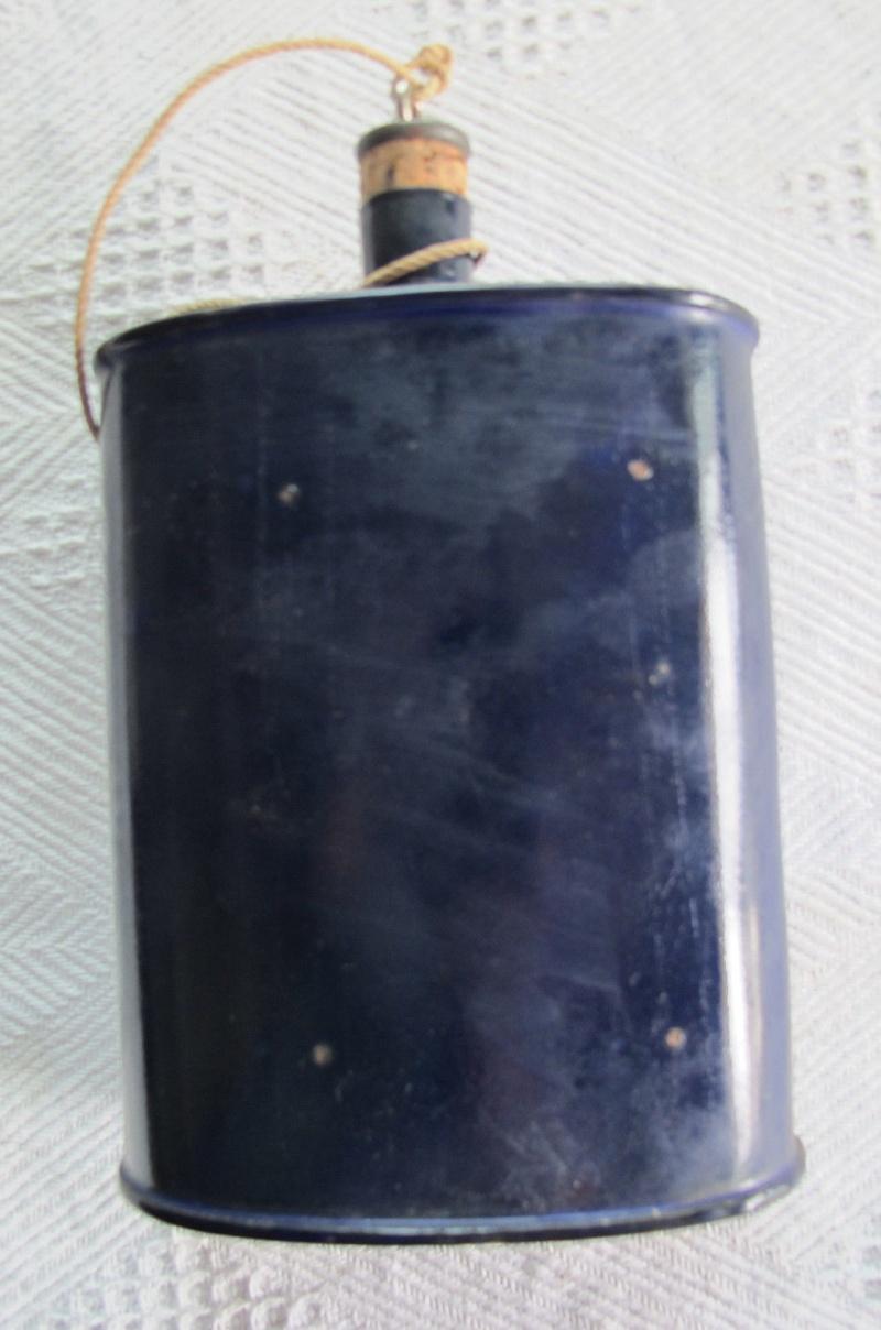 Distinguishing Cobalt Blue Mk VI and Mk VII Water-Bottles 03410