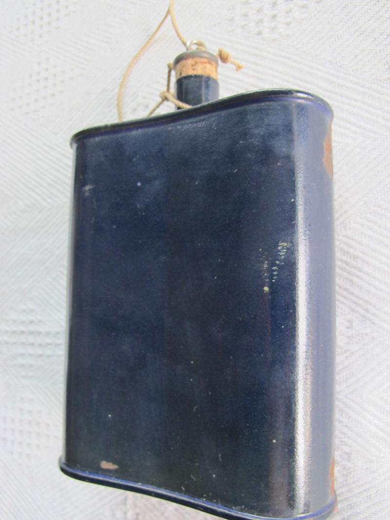 Distinguishing Cobalt Blue Mk VI and Mk VII Water-Bottles 03510