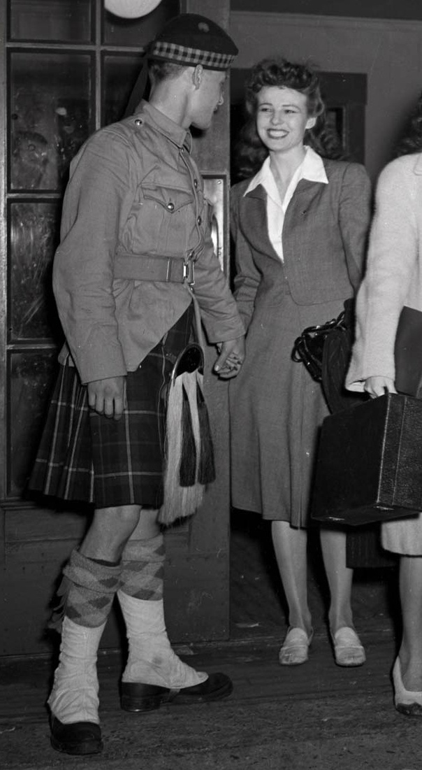 Royal Canadian Regiment Impression (circa 1939) and Canadian Summer Service Dress Csd_cl11