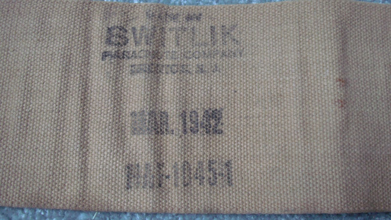 Can anybody identify this 1942 Canadian Parachute/Aircraft Belt? Dsc08316