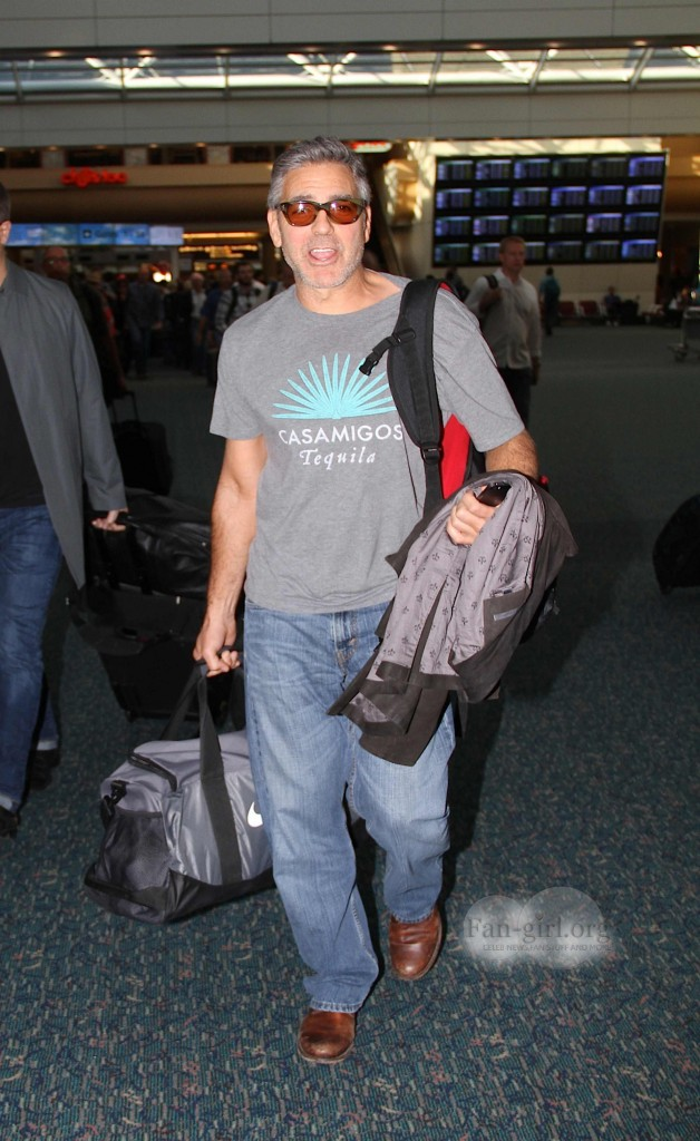 Photos: George Clooney arriving at  Orlando Airport  George12
