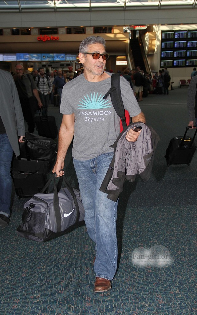 Photos: George Clooney arriving at  Orlando Airport  George13