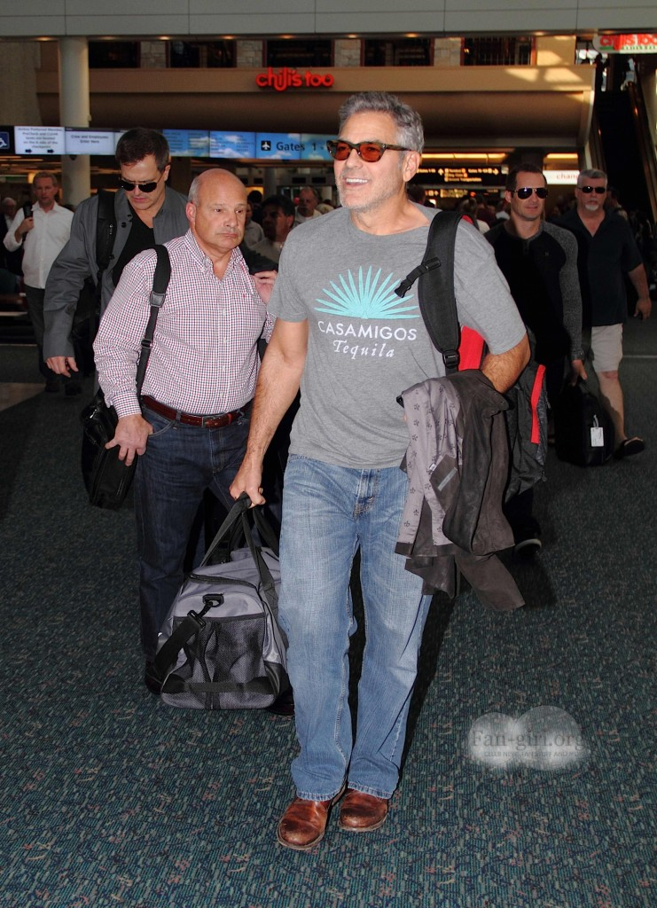 Photos: George Clooney arriving at  Orlando Airport  George14