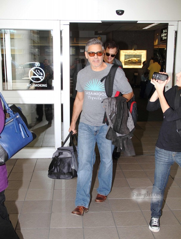 Photos: George Clooney arriving at  Orlando Airport  George17