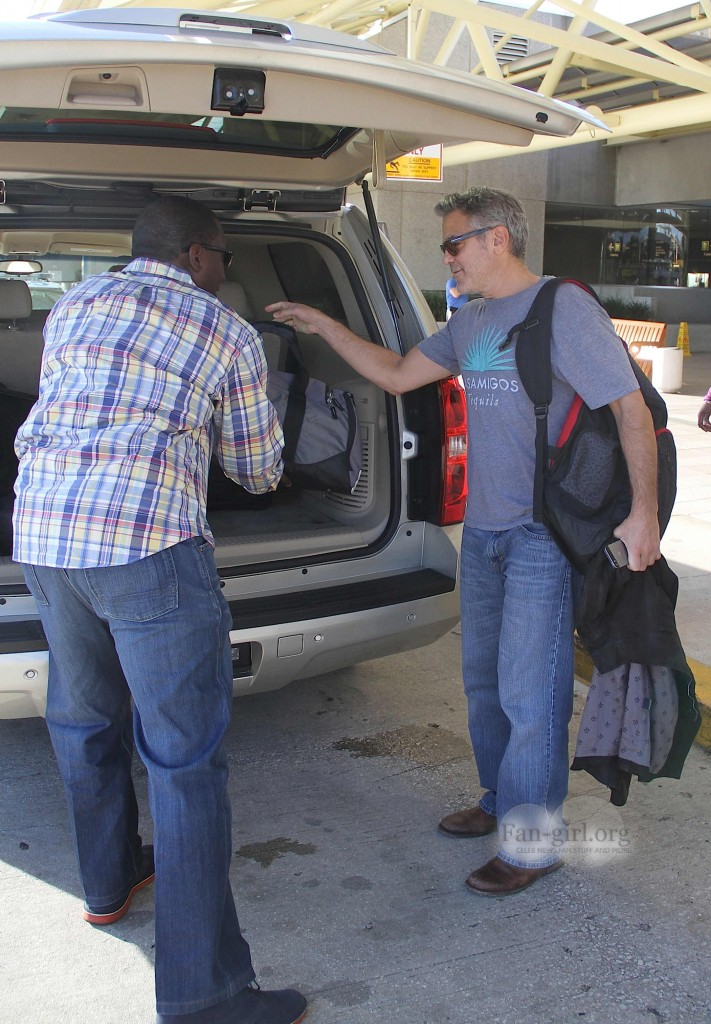 Photos: George Clooney arriving at  Orlando Airport  George21
