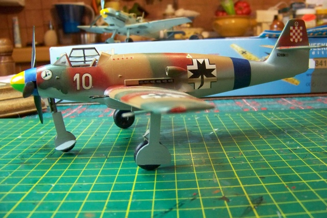 Me 509 Trumpeter 1/48 - Page 2 717310