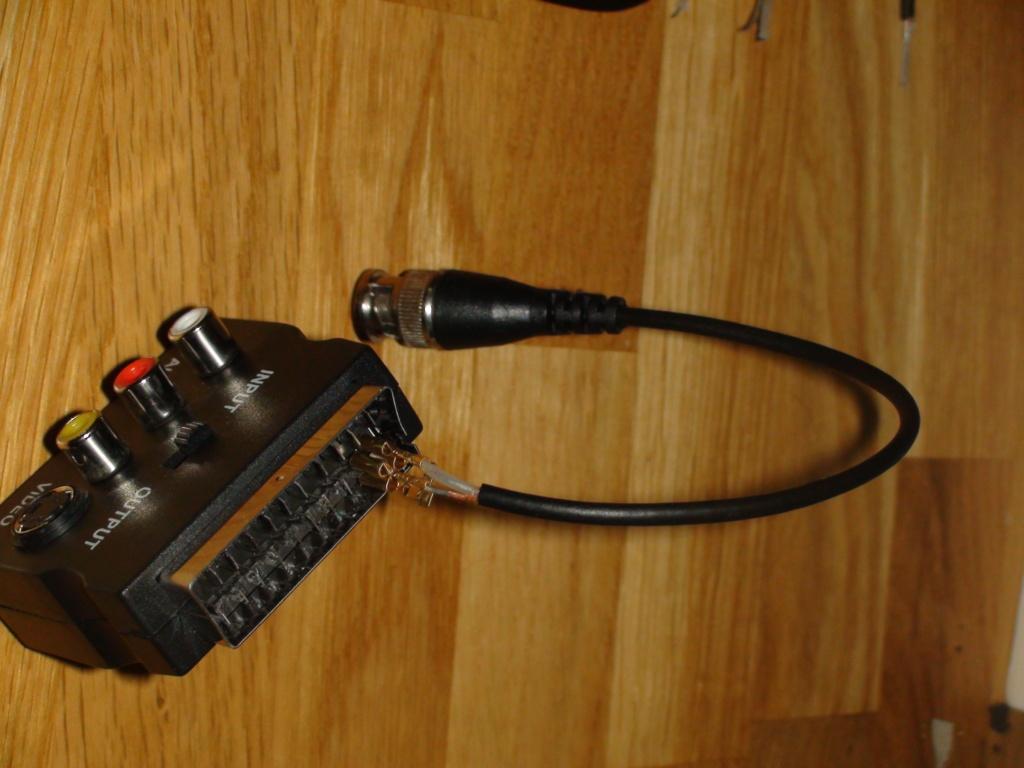 (PVM)(9L2) cable scart/BNC RGB Dsc05420