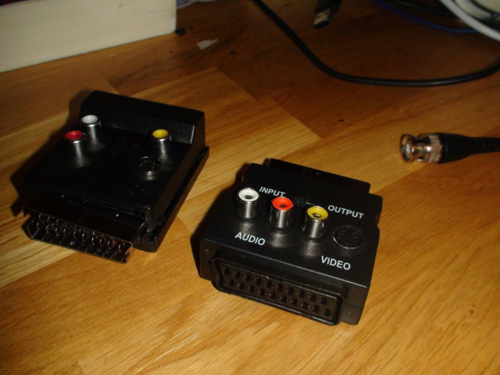 (PVM)(9L2) cable scart/BNC RGB Dsc05425