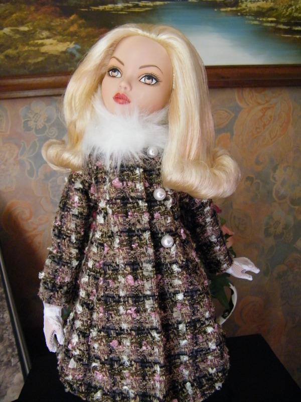 Mes poupées Ellowyne Wilde. De nouvelles photos postées régulièrement. - Page 6 002-0010