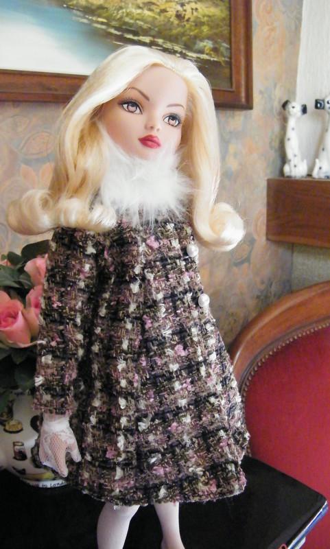 Mes poupées Ellowyne Wilde. De nouvelles photos postées régulièrement. - Page 6 003-0010