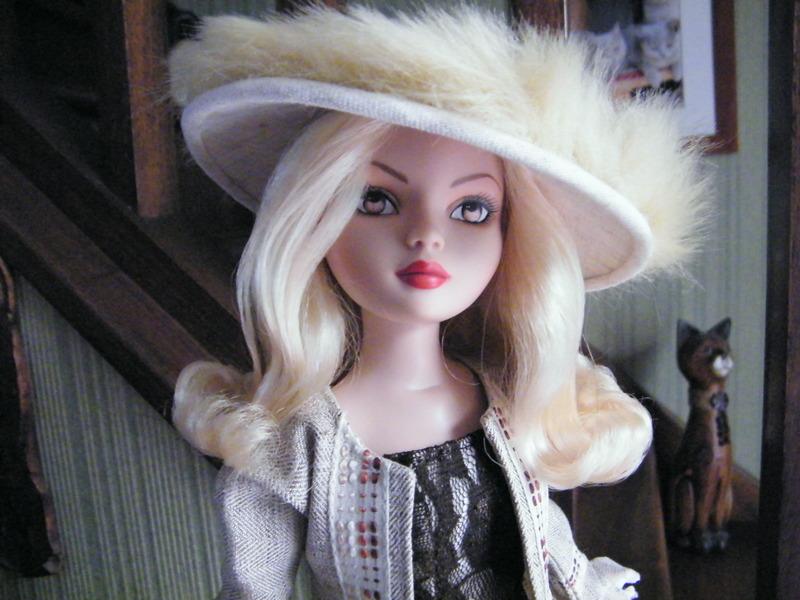 Mes poupées Ellowyne Wilde. De nouvelles photos postées régulièrement. - Page 6 00410