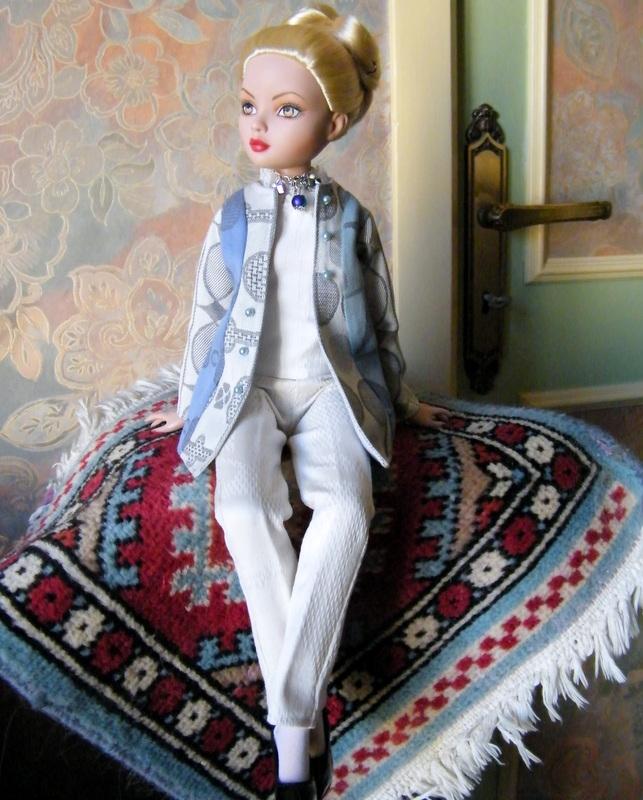 Mes poupées Ellowyne Wilde. De nouvelles photos postées régulièrement. - Page 7 00724