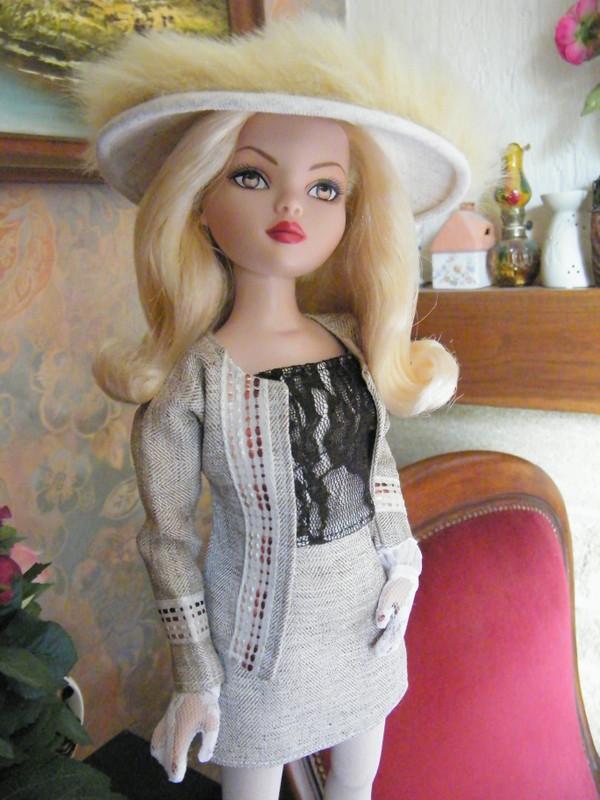 Mes poupées Ellowyne Wilde. De nouvelles photos postées régulièrement. - Page 6 01310