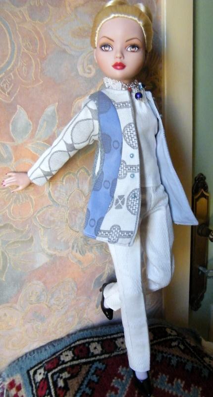 Mes poupées Ellowyne Wilde. De nouvelles photos postées régulièrement. - Page 7 01515