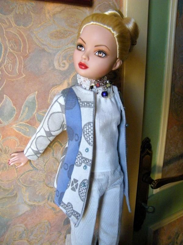 Mes poupées Ellowyne Wilde. De nouvelles photos postées régulièrement. - Page 7 02215