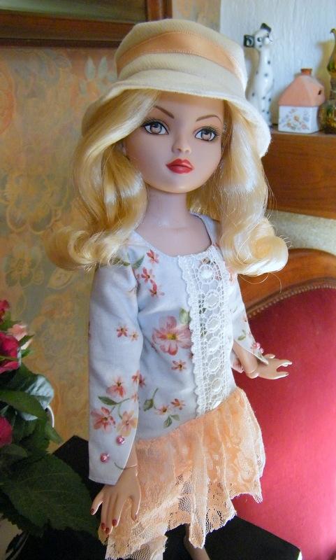 Mes poupées Ellowyne Wilde. De nouvelles photos postées régulièrement. - Page 5 02410